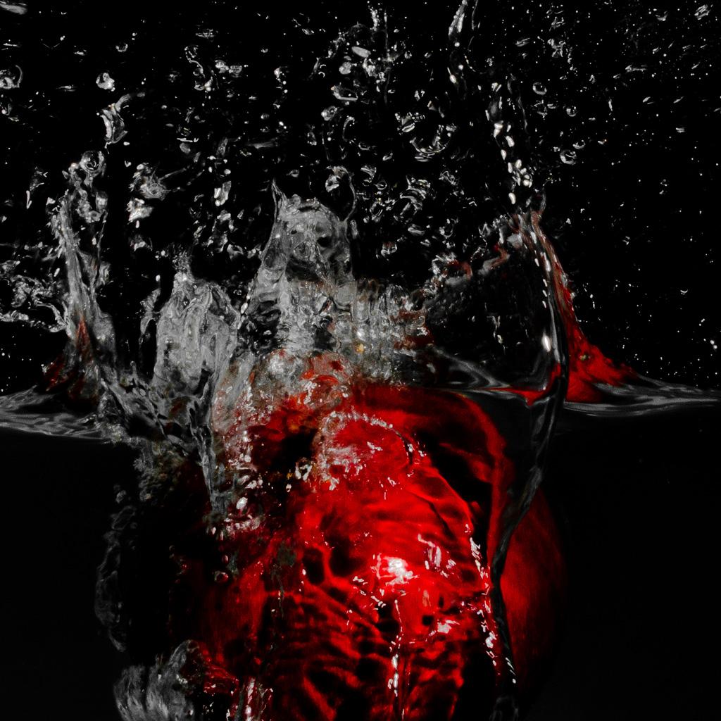 Pomegranate splash of-water ipad wallpaper