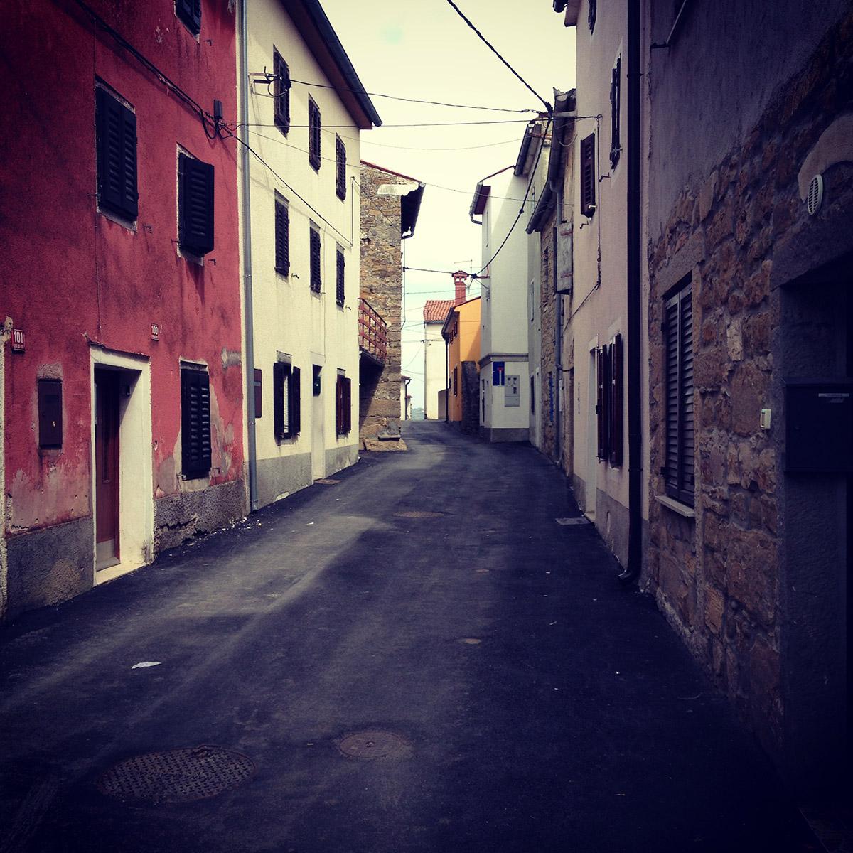 Daily Photo: narrow Alley in Korte, Slovenia