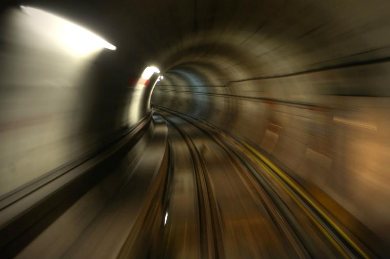 train-zoom